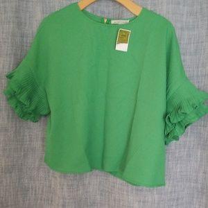 Green ruffle sleeve Shirt